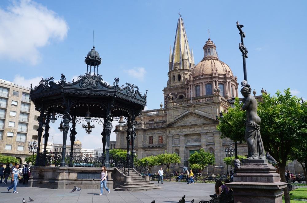 Catedral vista desde la Plaza de Armas.