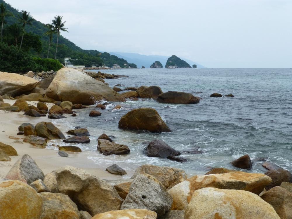 Orillas cerca de la playa Garza Blanca.