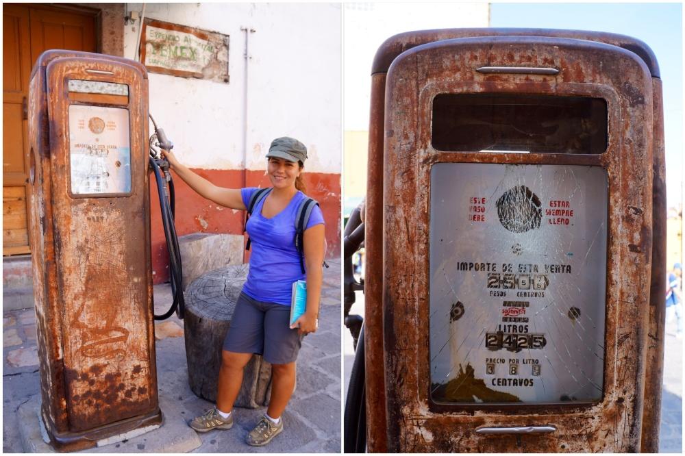 Curiosa gasolinera de principios de siglo en el centro del pueblo.
