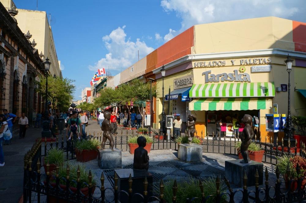 Una de las calles comerciales del centro histórico.
