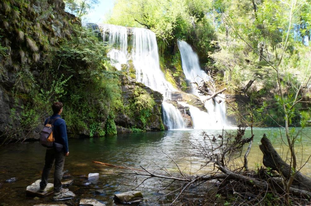 Preciosa cascada de Mallin Ahogado.