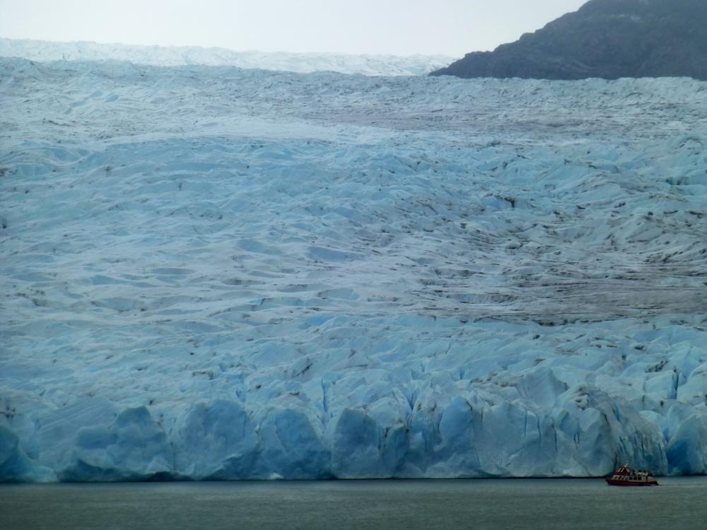 Es imposible alcanzar a ver el final de la extensión del glaciar!