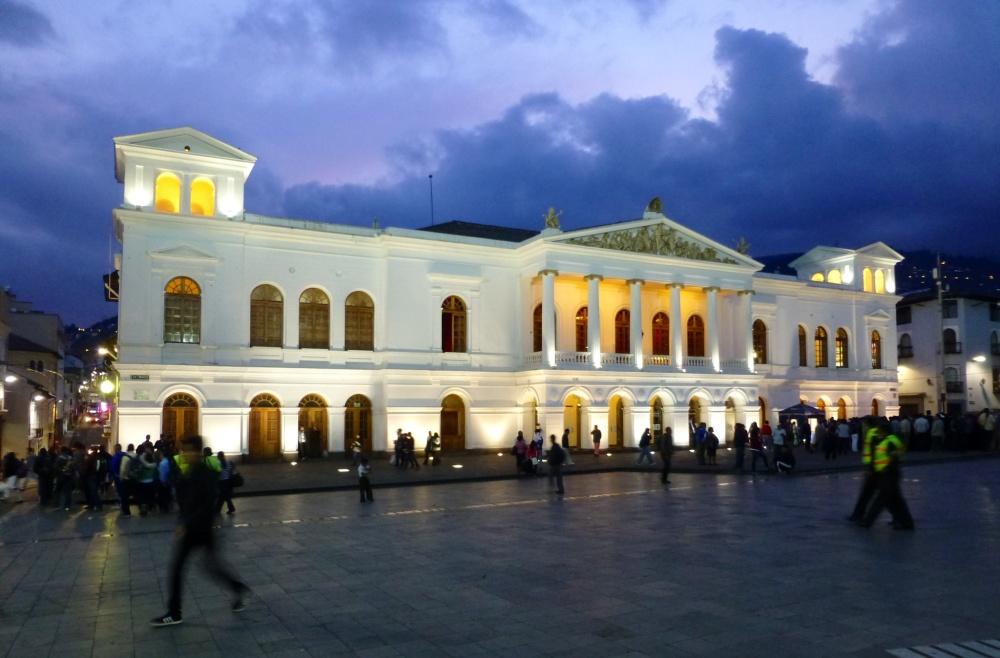 Plaza del teatro.