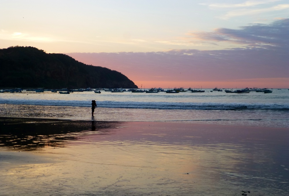Atardecer en la playa de Puerto Ibáñez.