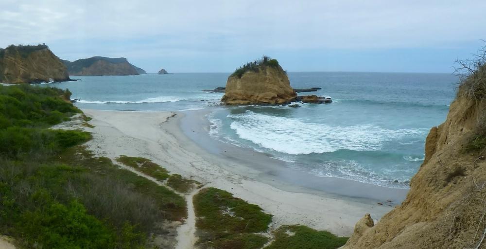 Montaña en forma de caparazón de tortuga y cabeza que le da nombre a la playa.